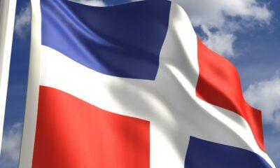 Bandera dominicana trabajar legal